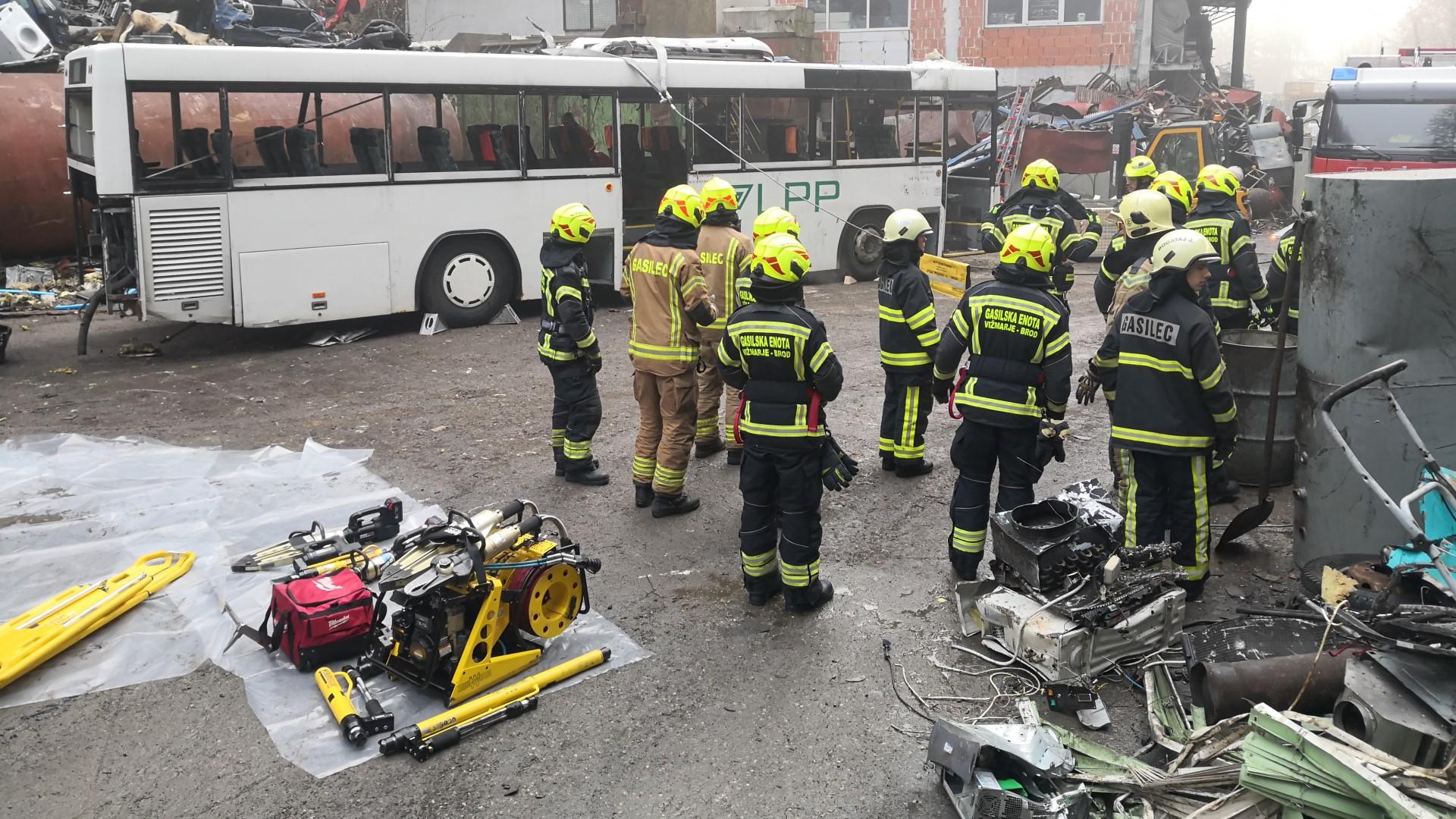 Vaje tehnično reševanje - avtobusi